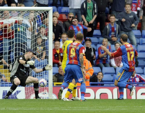 Crystal Palace v Sheffield Wednesday.....GOAL....Palace's Glenn Murray beats Owls keeper Chris Kirkland with his second goal and the winner
